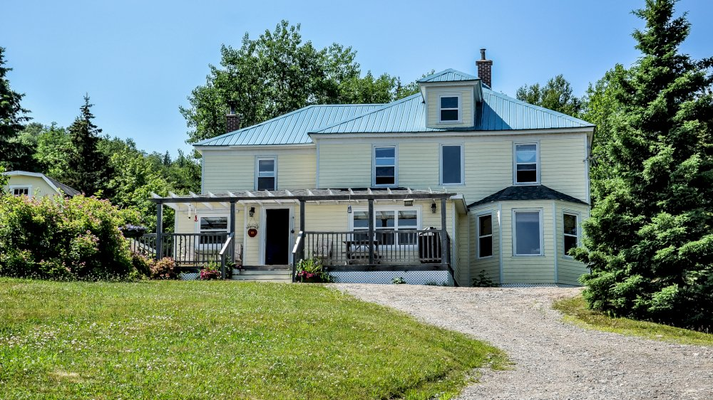 The Maven Gypsy Bed & Breakfast and Cottages