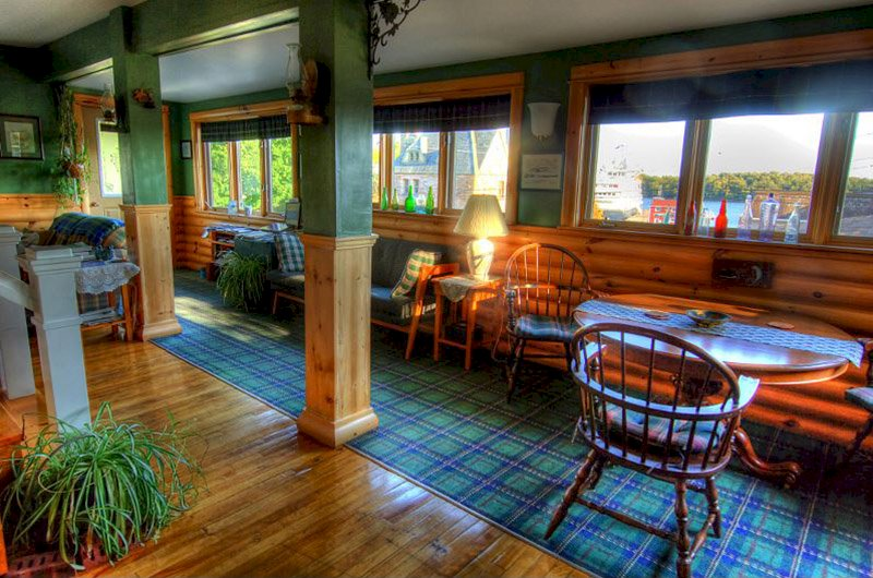 Green Highlander Lodge
