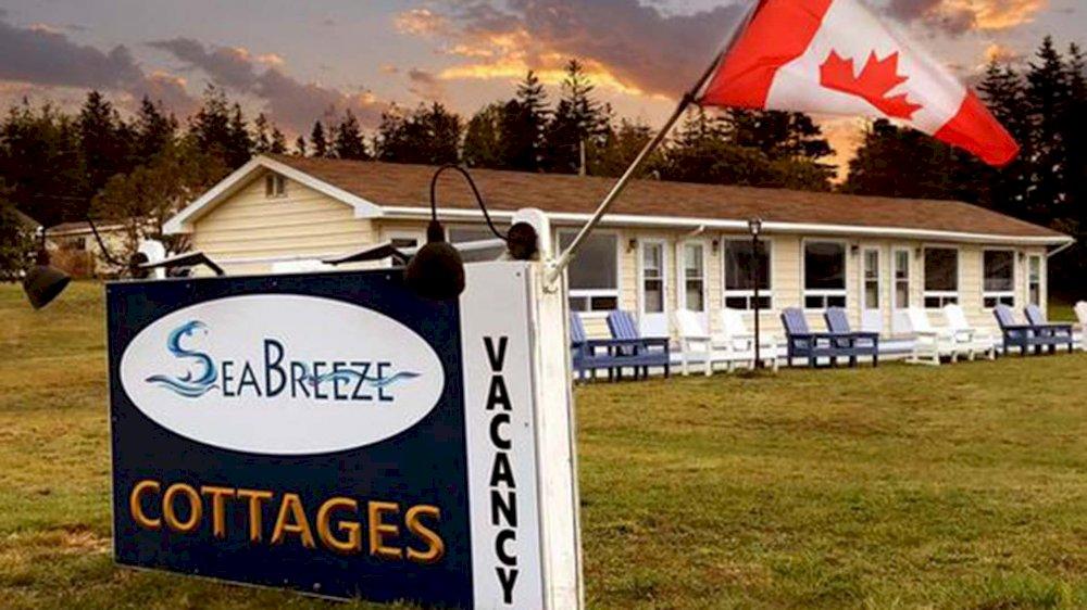 Sea Breeze Cottages & Motel